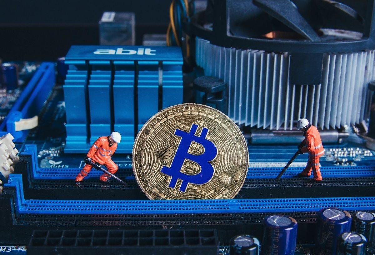 come faccio bitcoin minatori fanno i soldi crypto trading bot download