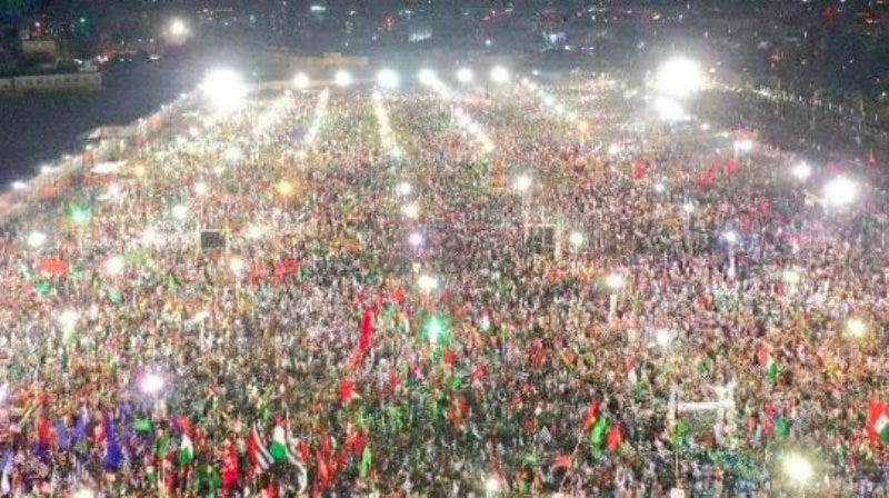 Huge Pakistan Rallies Seek Military's Political Ouster