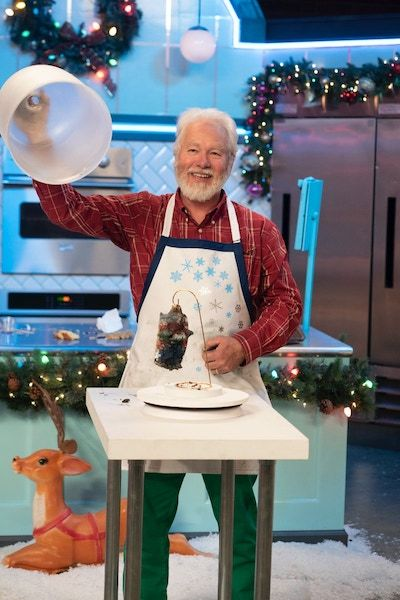 A contestant unveils his baking on Nailed It! Holiday! season 2
