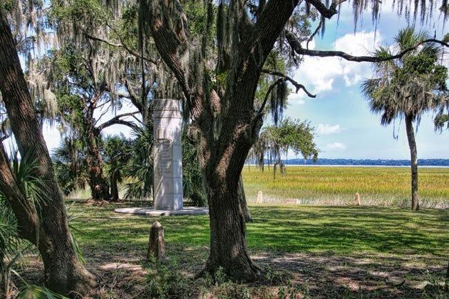 Santa Elena Monument