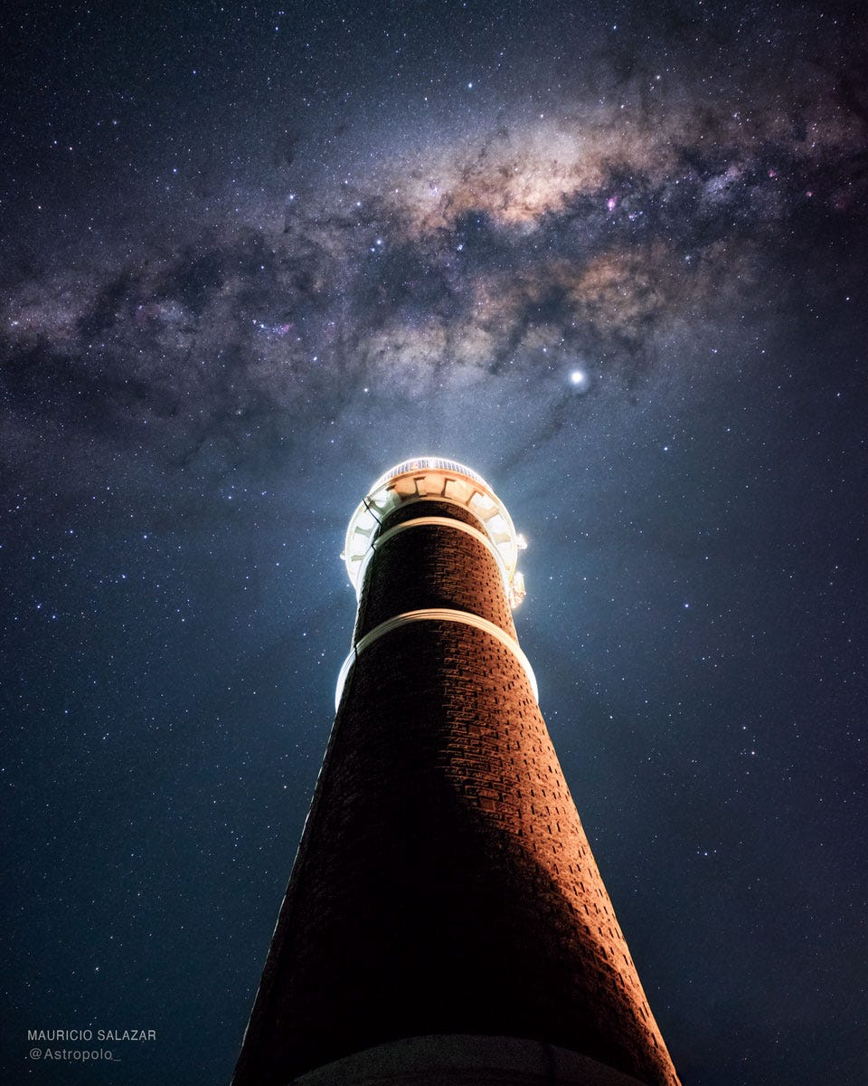 LighthouseMilkyWay_Salazar_960