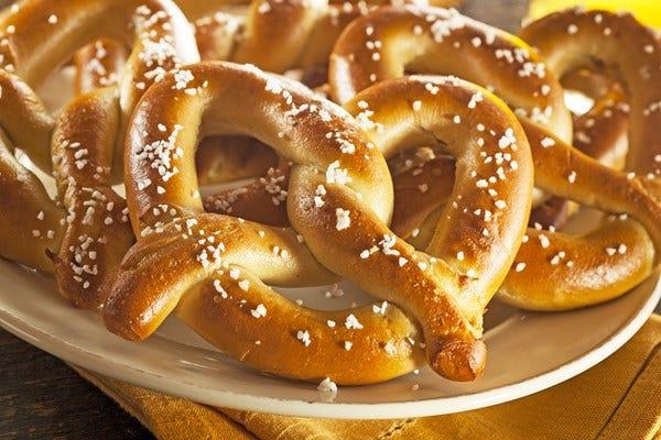 copycat-auntie-annes-soft-pretzels_34681.jpg