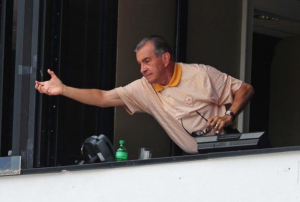 John-Schuerholz-Los-Angeles-Dodgers-v-Atlanta-3ikZxDCHxzHl-594x400.jpg