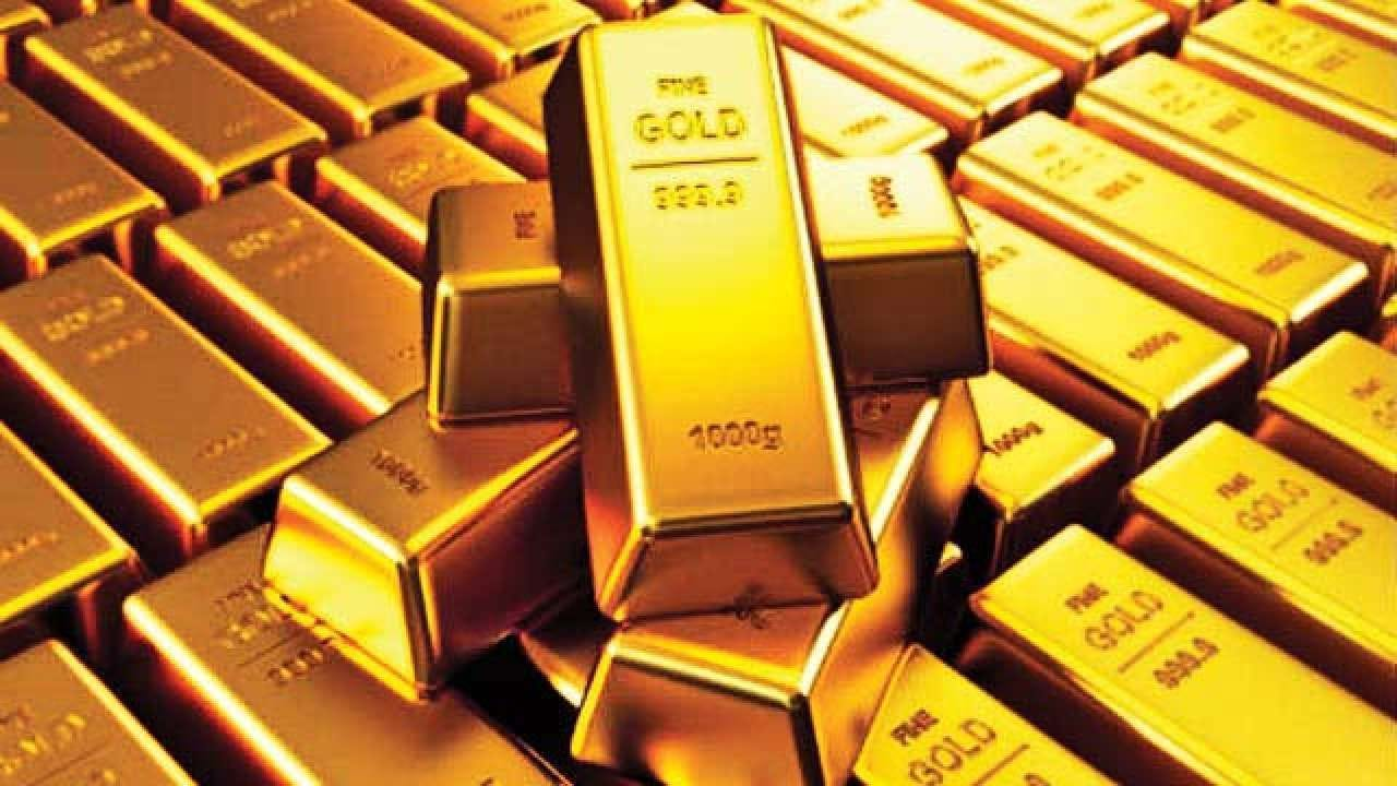 Gold prices breach Rs 55,000-mark, touch new high