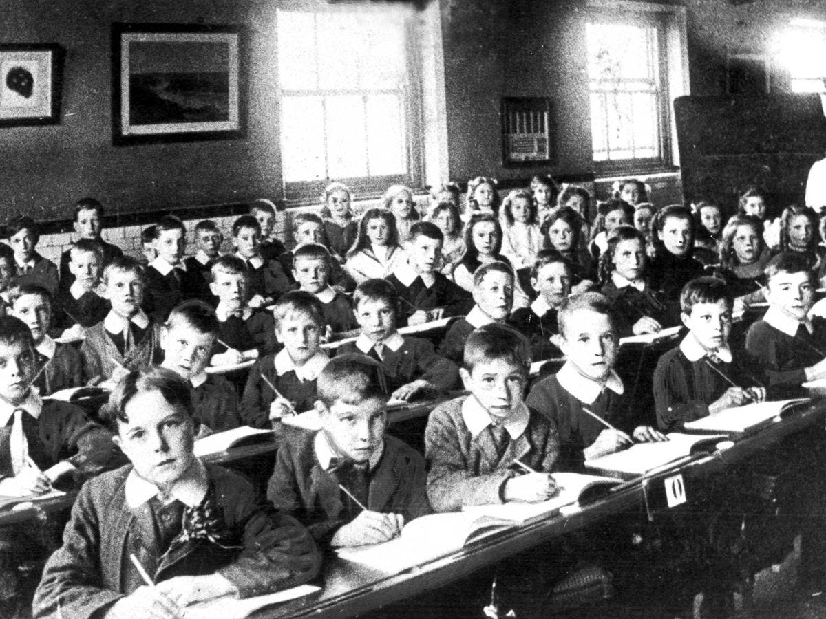Back to school: 11 North East classroom pictures from 1900-1995 - Chronicle  Live