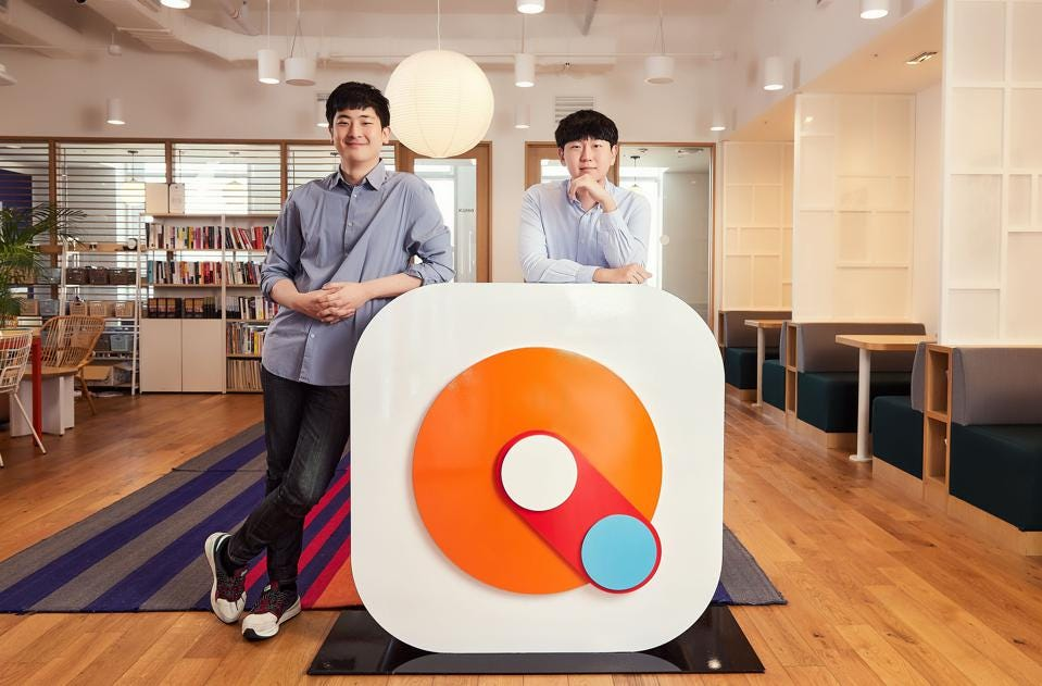 Mathpresso cofounders and co-CEOs Ray Lee (left) and Jake Lee (right).