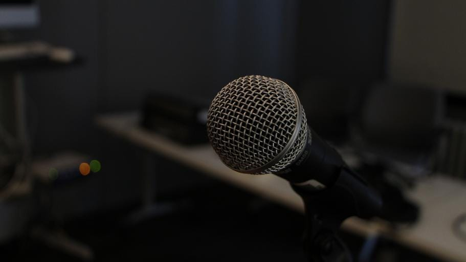 An image of a microphone.