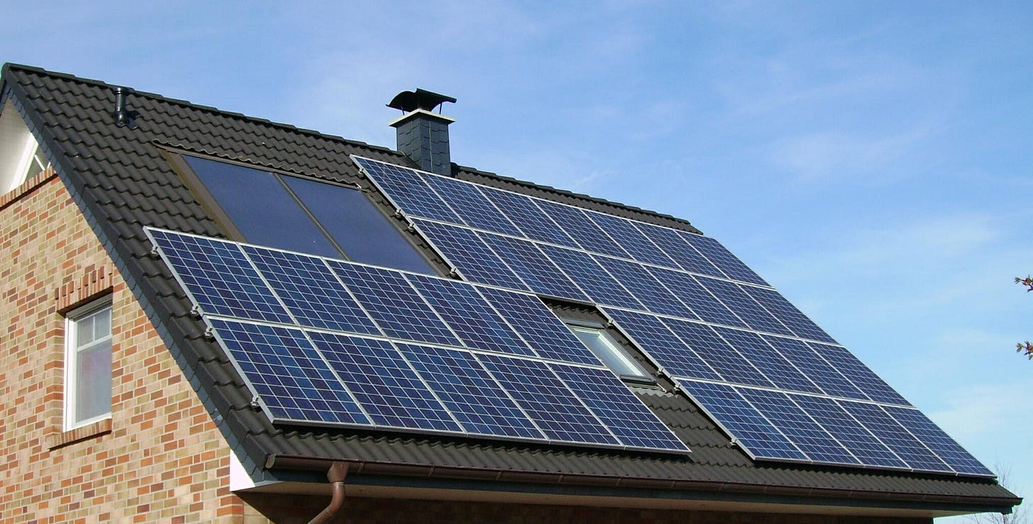 Solar installers say new rates are slowing demand for rooftop solar |  Michigan Radio