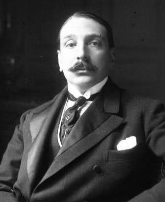 https://upload.wikimedia.org/wikipedia/commons/e/ec/Enrique_Larreta_1914_%281%29.jpg
