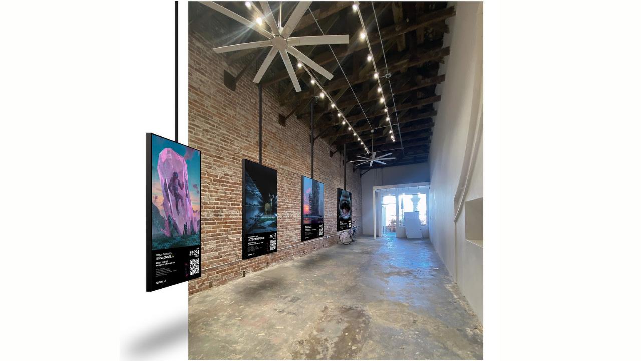 An NFT Gallery Pops Up in Venice Beach, California - Decrypt
