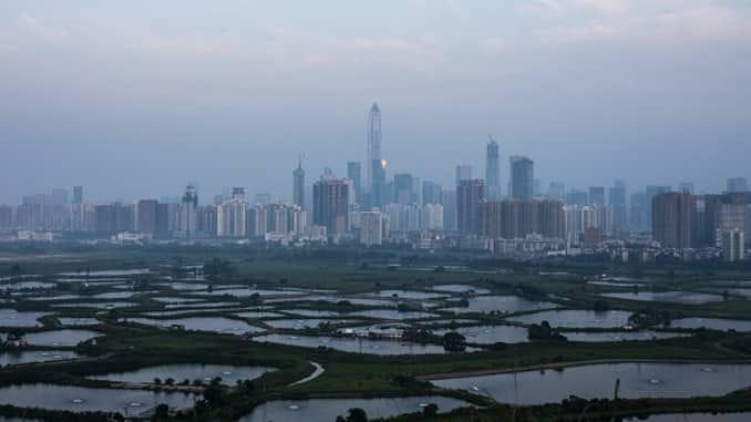 China sets up Hong Kong crisis center in mainland