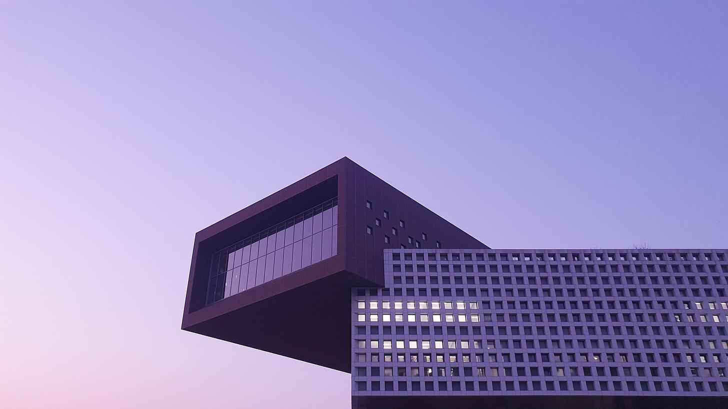 https://medium.com/geekculture/how-to-become-a-data-architect-1b60dc0762a2