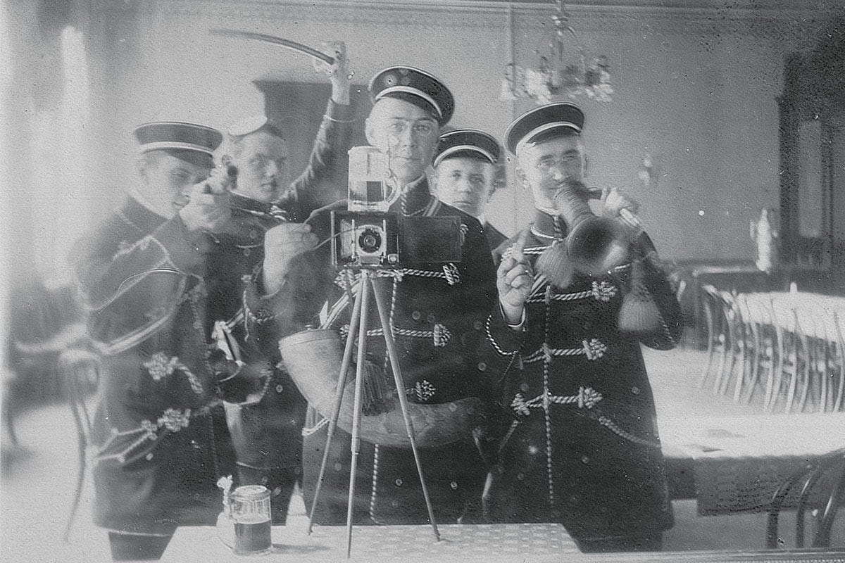 Photo of the day: One of the first ever selfies, taken in 1912 by German  party boys at University house | SupaJam / News