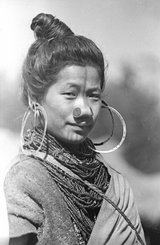 Pin by Bahirmary del Carmen on Jewlery i like | Tribal culture, People of  the world, Culture