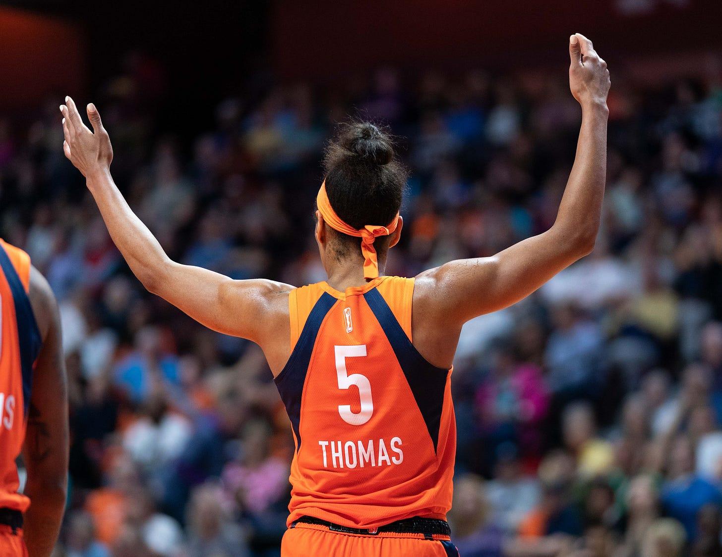 Connecticut Sun guard Jasmine Thomas (5) during the WNBA game between the Washington Mystics and the Connecticut Sun at Mohegan Sun Arena, Uncasville, Connecticut, USA on May 25, 2019. Photo Credit: Chris Poss