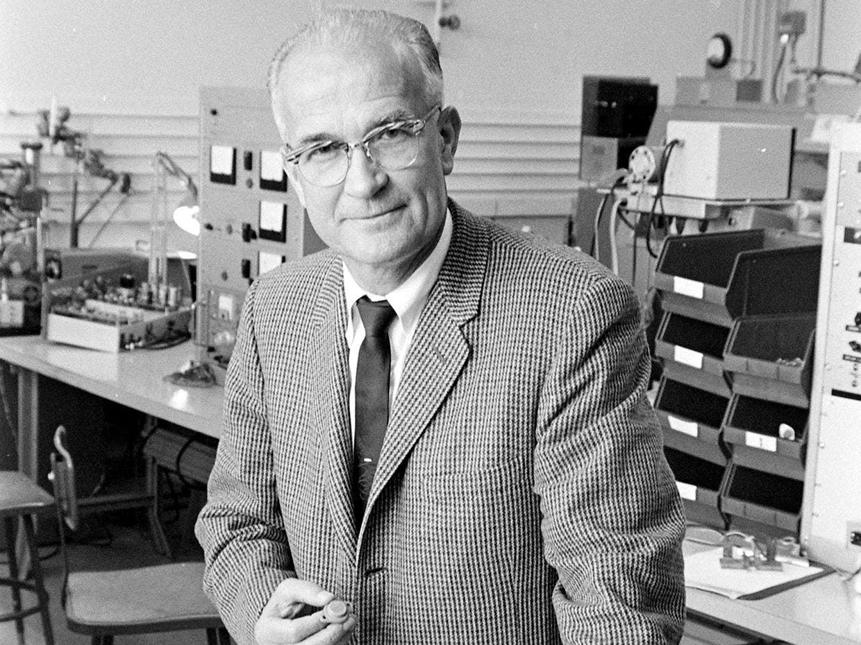 How William Shockley's Robot Dream Helped Launch Silicon Valley - IEEE  Spectrum