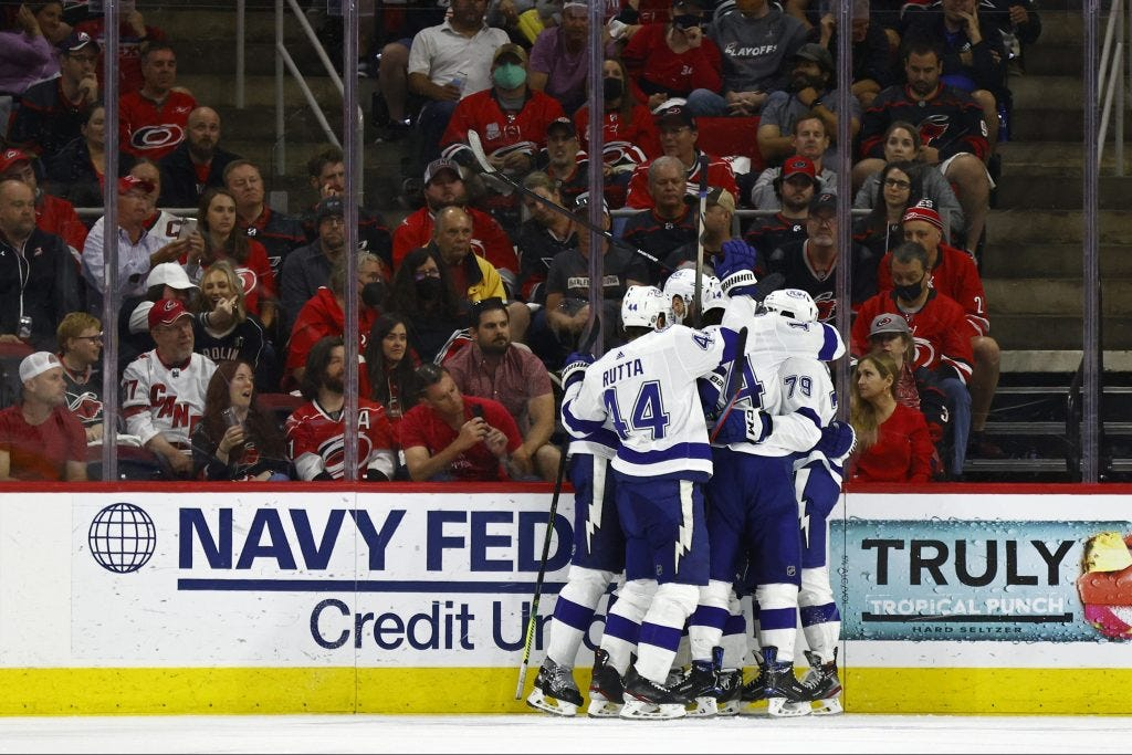 Lightning hold down Hurricanes to win Game 5, series