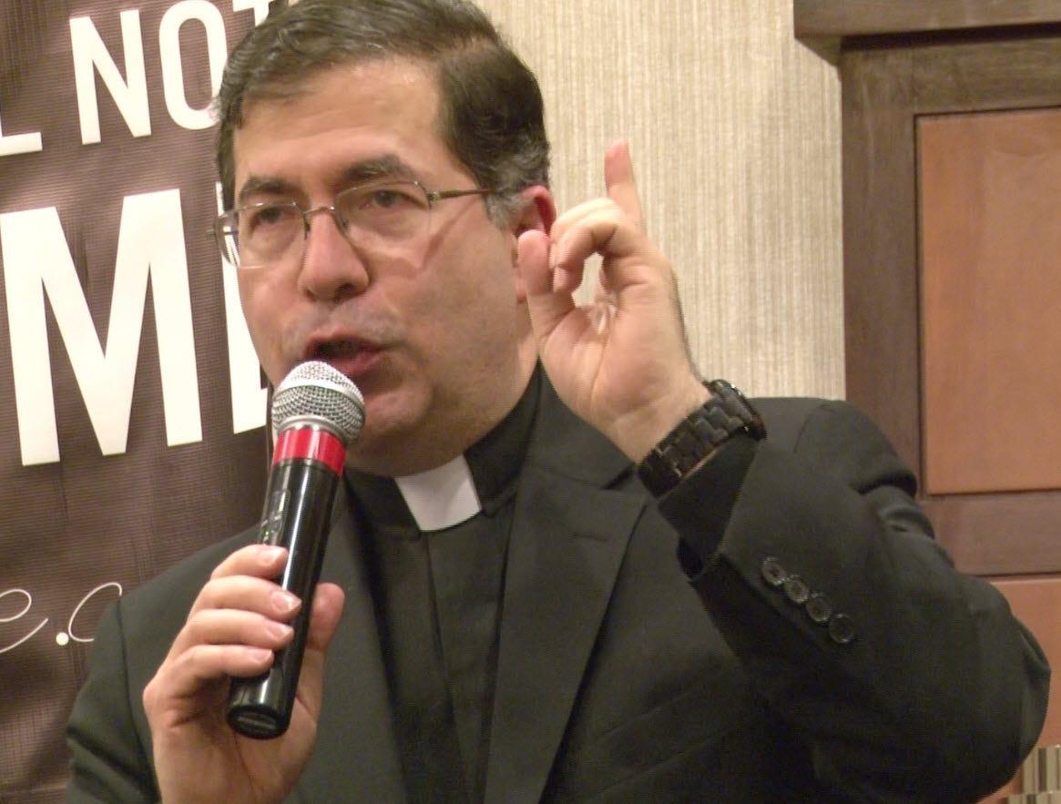 Father Frank Pavone.jpg