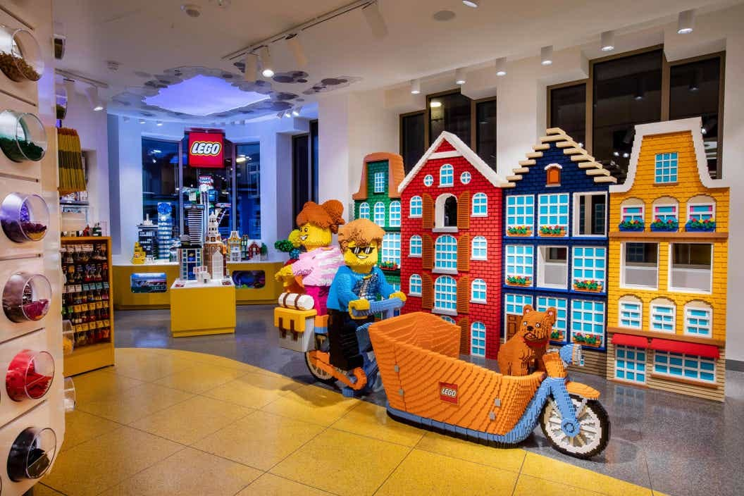 LEGO Flagship Store Amsterdam - About us - LEGO.com FR