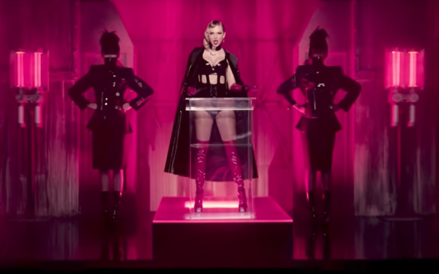 Taylor Swift's Look What You Made Me Do video: all the references ...