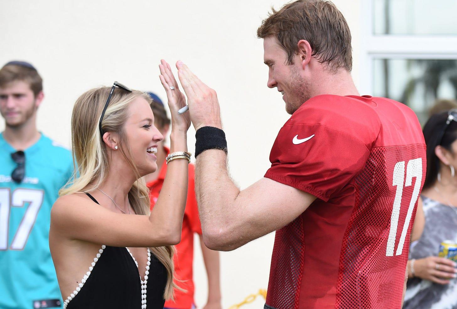 Photos: Ryan Tannehill's Wife, Lauren, Pumped For Chiefs-Titans