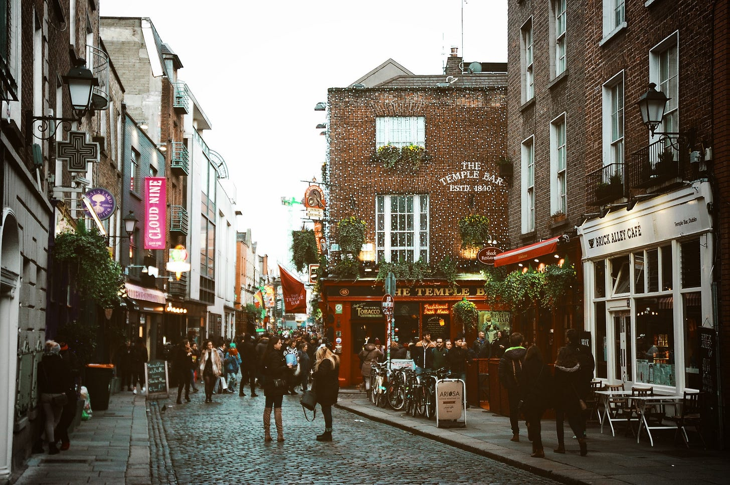 Image of Temple Bar in Dublin's city centre for article by Larry G. Maguire