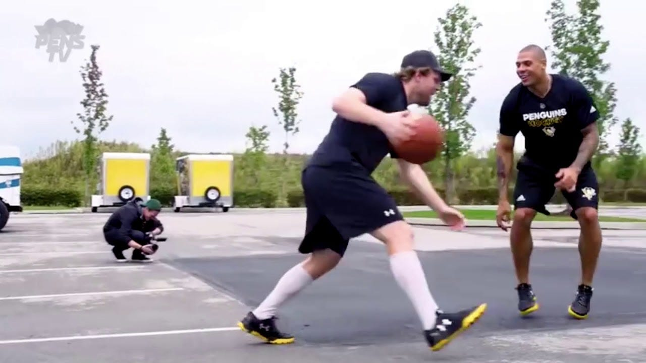 Phil Kessel plays Basketball with Ryan Reaves - YouTube