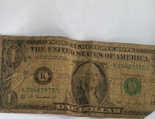 Zimbabwe cash hawkers trading dirty US dollar notes - The Zimbabwe Mail