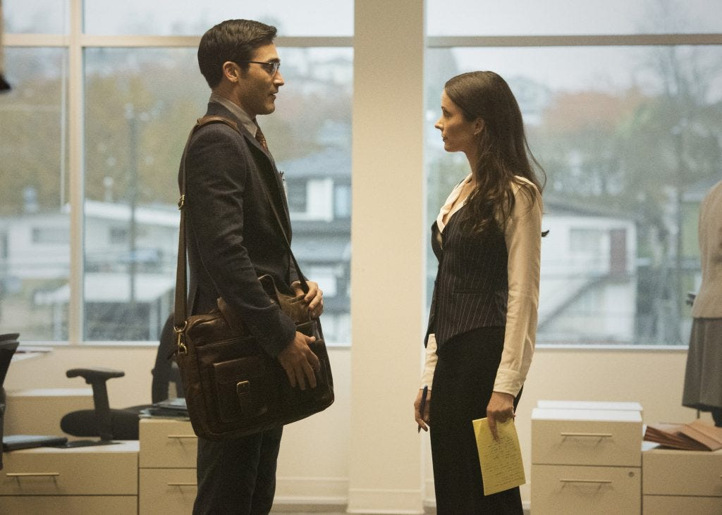 A still from 'Superman & Lois', when Clark Kent and Lois Lane stare at each other in their first meeting.