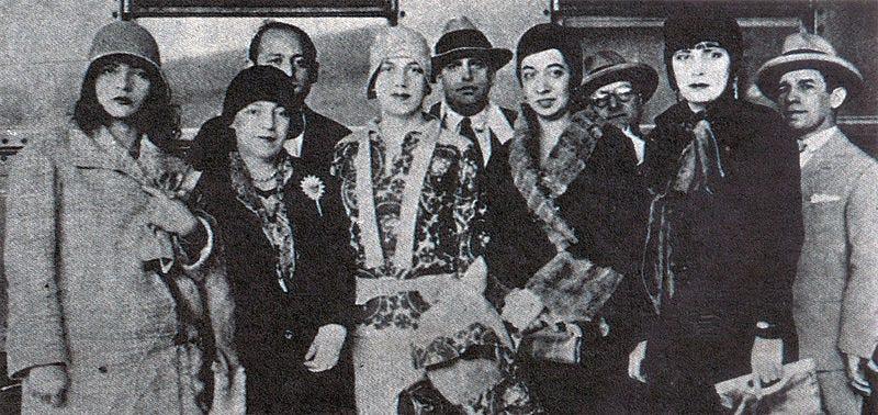 Pagu, Tarsila do Amaral, Oswald de Andrade,Anita Malfati e outros modernistas de 1922. Fonte: WikiMedia.