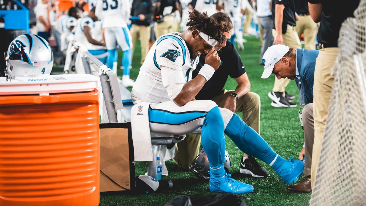 Cam Newton leaves Patriots game with foot injury