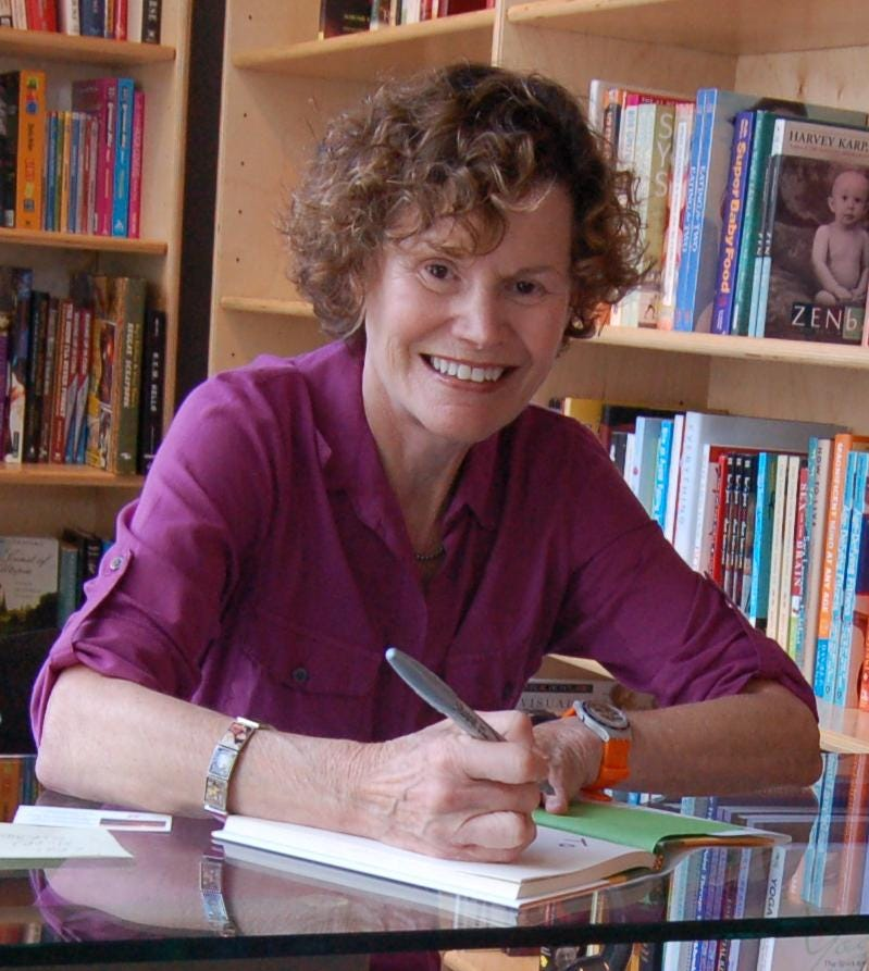 https://upload.wikimedia.org/wikipedia/commons/1/18/JudyBlume2009%28cropped%29.jpg