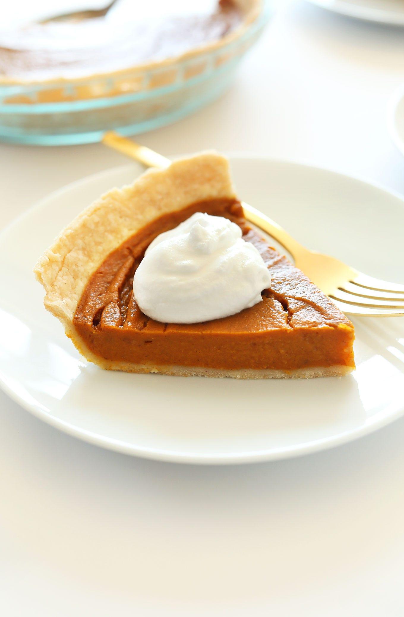 https://minimalistbaker.com/wp-content/uploads/2014/11/THE-BEST-Vegan-Gluten-Free-Pumpkin-Pie-10-ingredients-simple-methods-SO-delicious.jpg