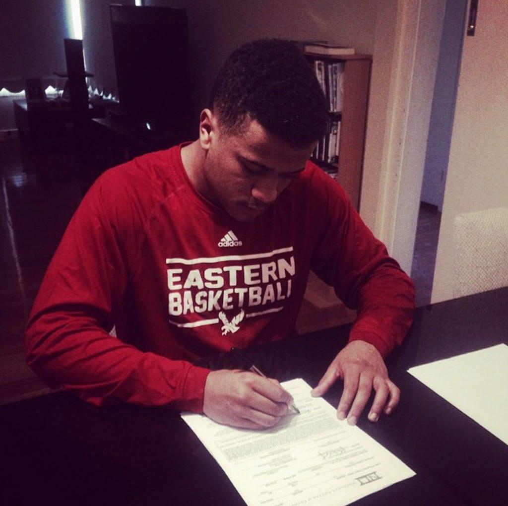 Michael Wearne signs with Eastern Washington University