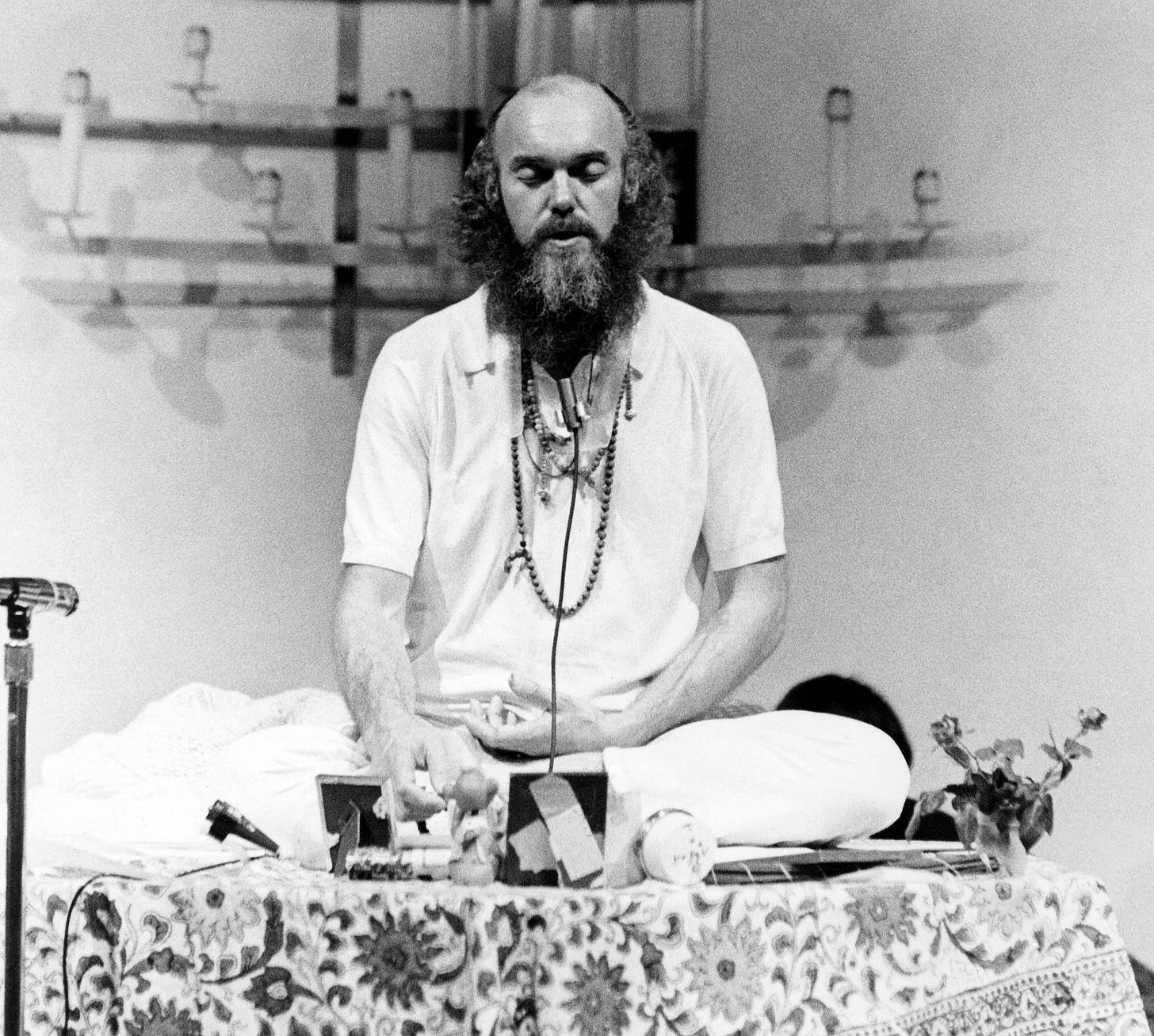 Baba Ram Dass, Proponent of LSD Turned New Age Guru, Dies at 88 - The New  York Times
