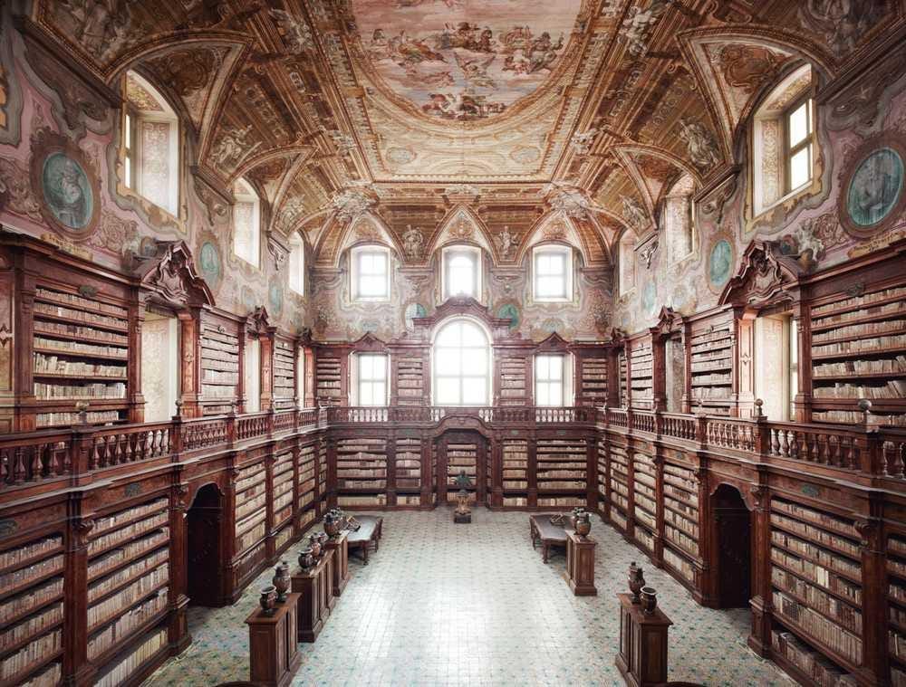 """Biblioteca Nazionale, ora si può prenotare anche un """"posto di lettura"""" -  quotidianonapoli.it"""