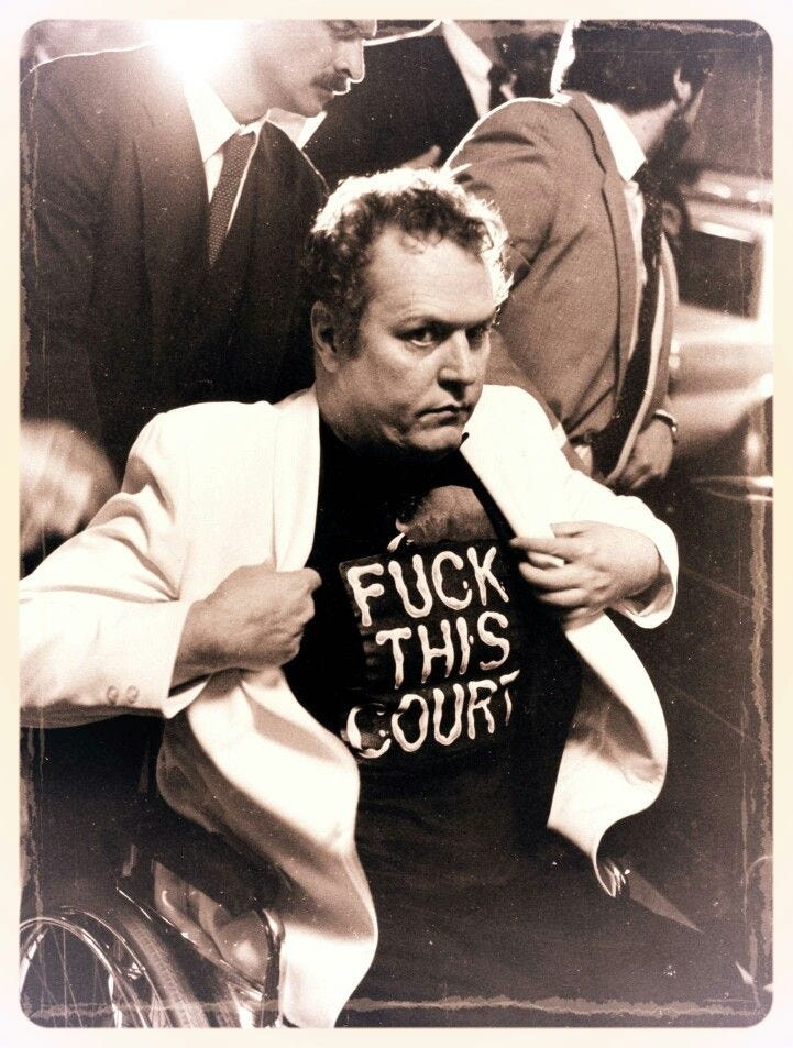 Larry Flynt in court | Larry flynt, Funny photos of people, Funny photos