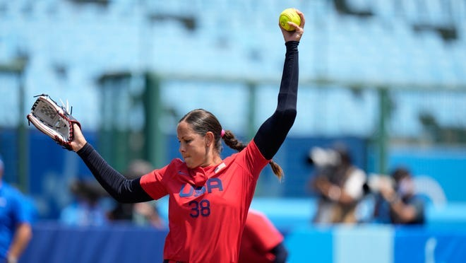 Cat Osterman pitches during the softball game between Italy and the United States at the Olympics on July 21, 2021, in Fukushima , Japan.