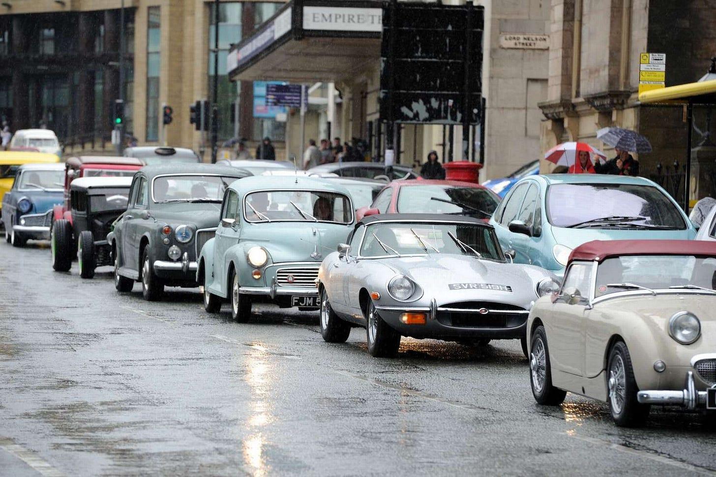 Classic cars cavalcade in Liverpool - Liverpool Echo
