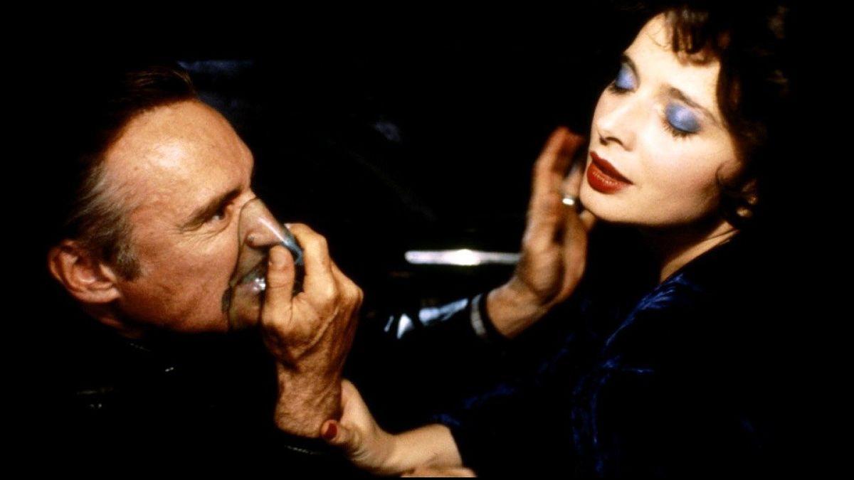 Blue Velvet (1986) directed by David Lynch • Reviews, film + cast •  Letterboxd