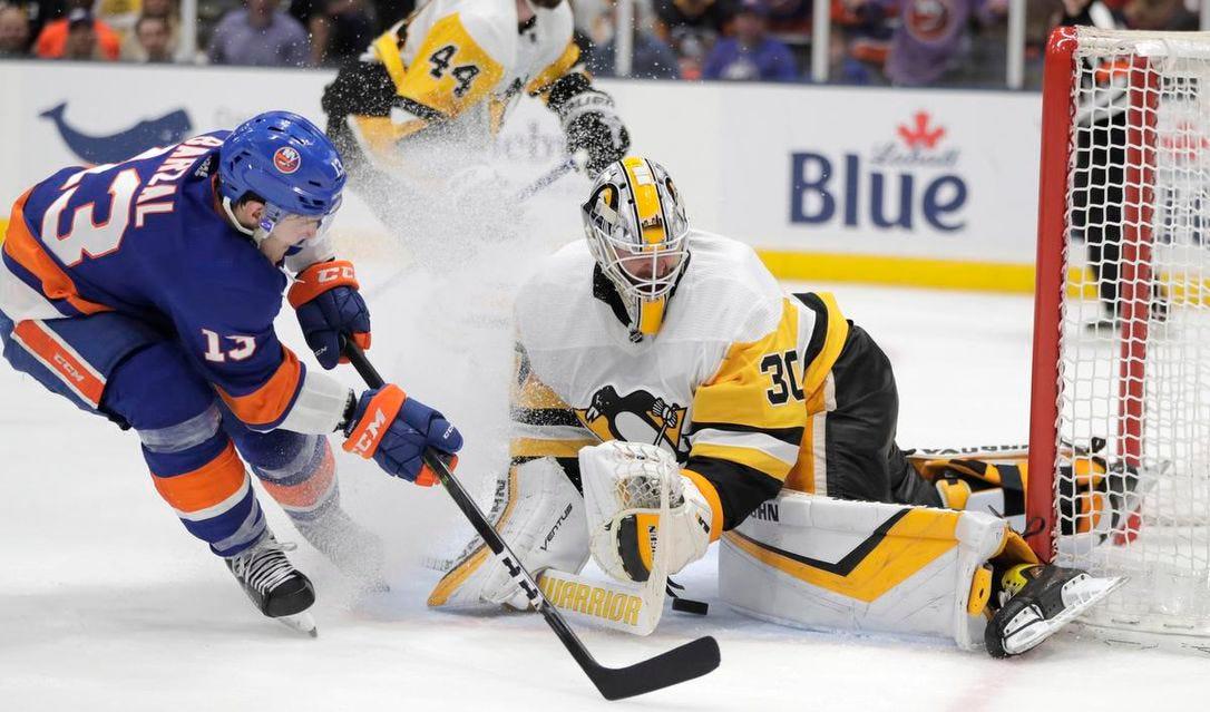 Islanders solve Penguins again in Game 2 | The Star