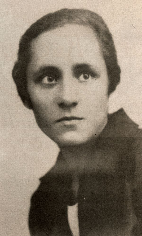 Agnes afew days before her departure to the Loreto Abbey in Rathfarnham, Ireland, to learn English, the language the Si