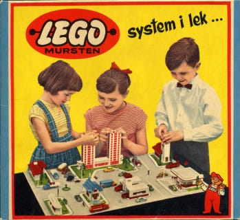 Empile les stéréotypes de genre avec Lego ! – À femmes égales.