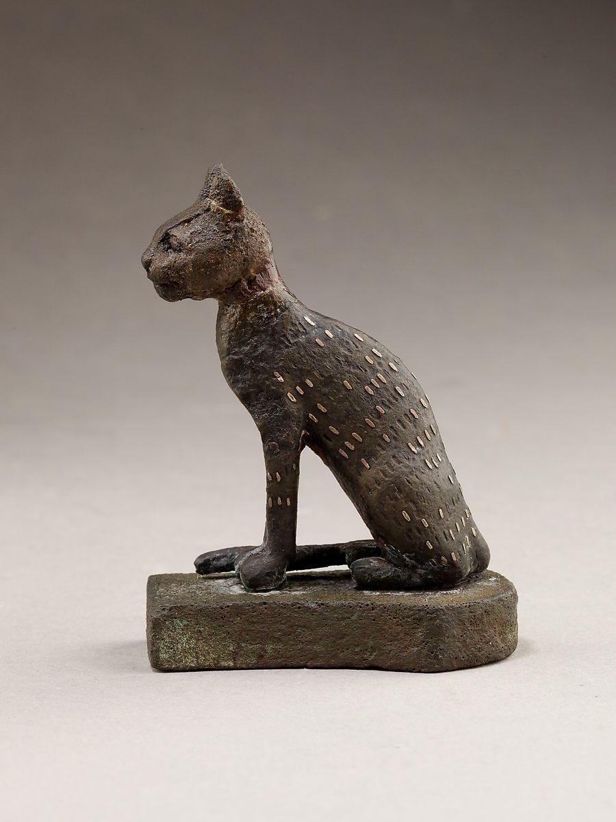 Cat, Cupreous metal, precious metal inlay
