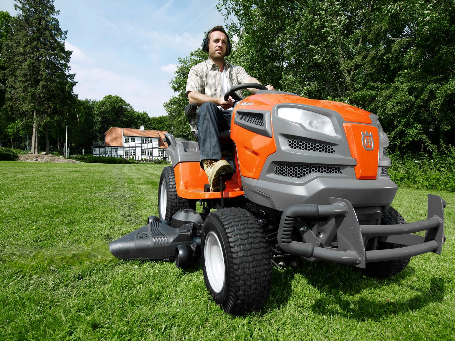 Husqvarna Riding Lawn Mower   Tips on buying the best ...