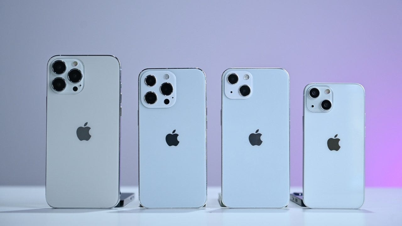 Four variations of the iPhone 13. (Apple)