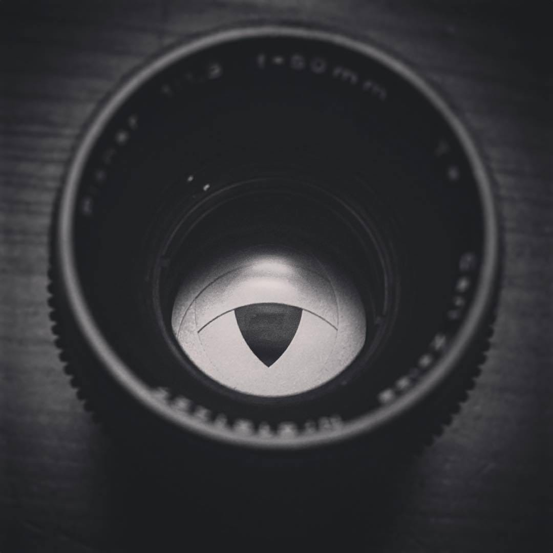 The very unusual triangular aperture on my Carl Zeiss Super-Speed MKI (B-Speed) 50mm T1.4. Love the images produced with this lens and would love to collect a completely set of these rare beauties, but they are completely unfavourable and hard to...