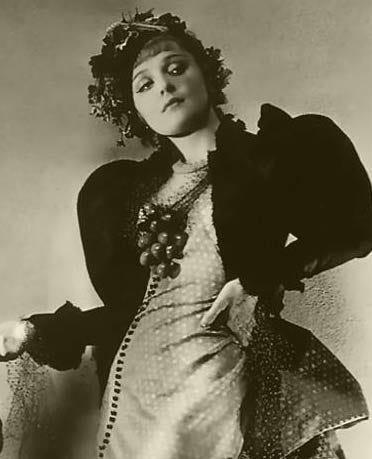 Renée Vivien (1877 – 1909) : Devant l'été - Le bar à poèmes