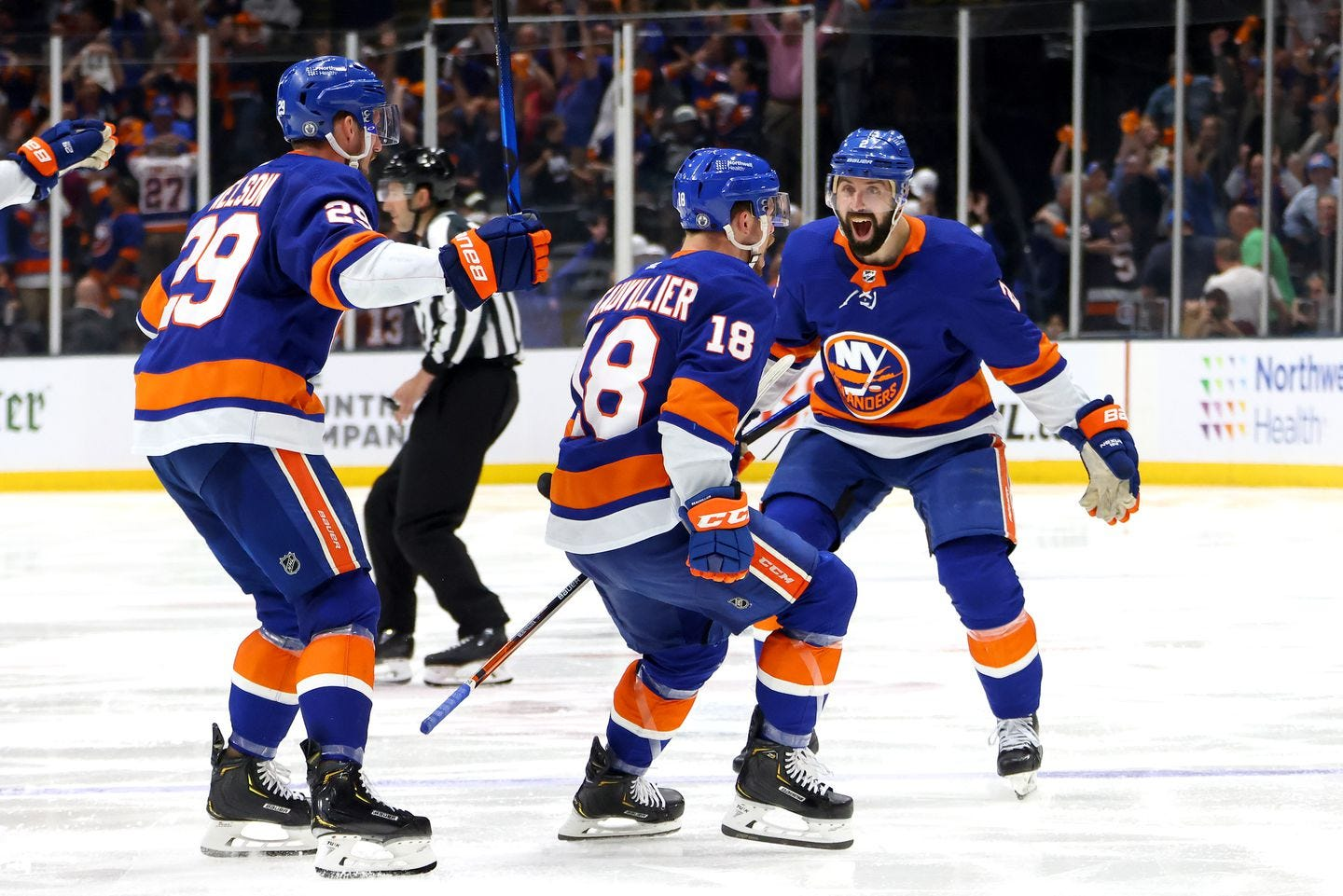 Anthony Beauvillier, Islanders stun Lightning in overtime to force Game 7 -  The Boston Globe