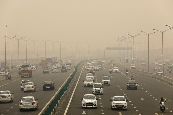 A New Delhi expressway on Saturday.